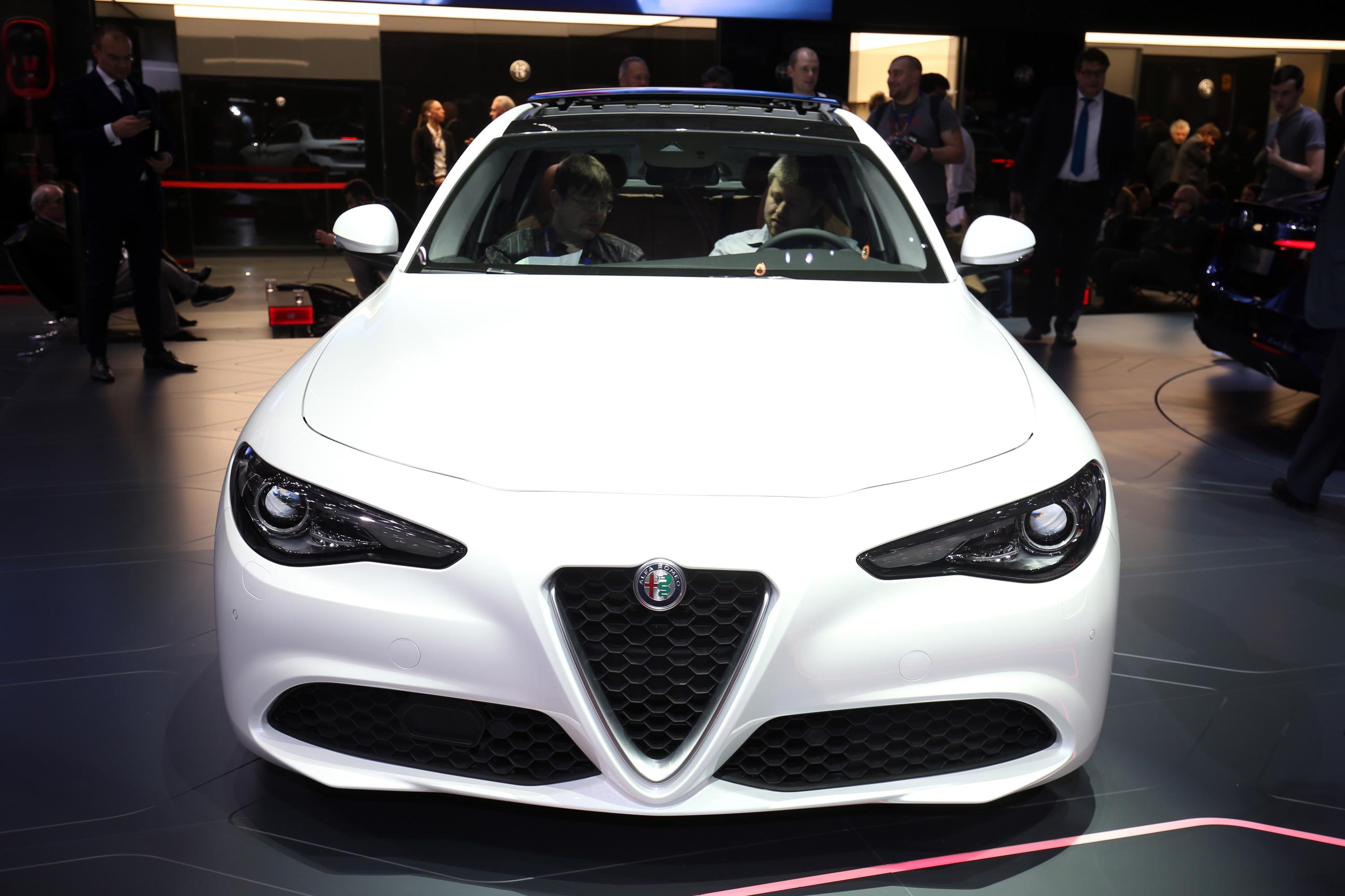 the new alfa romeo giulia at the geneva motorshow 2016 webloganycar. Black Bedroom Furniture Sets. Home Design Ideas