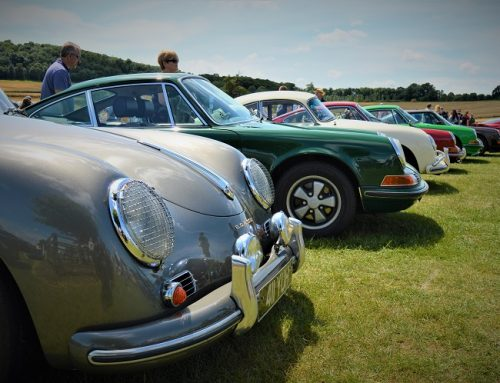 CLASSIC AND SUPERCARS AT SHERBORNE CASTLE. Car news blog.