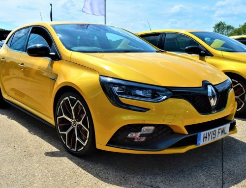 RENAULT MEGANE RS 300 TROPHY.  Short blog review.