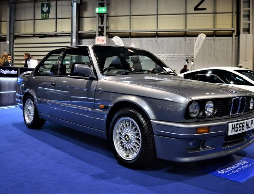 BMW 325I SPORT SELLS AT THE SILVERSTONE AUCTIONS.