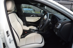 Infinity Q30 Seat and Dash 2