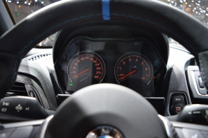 BMW M2 dials