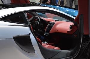McLaren 570gt inside