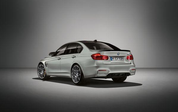 BMW M3 30 years rear