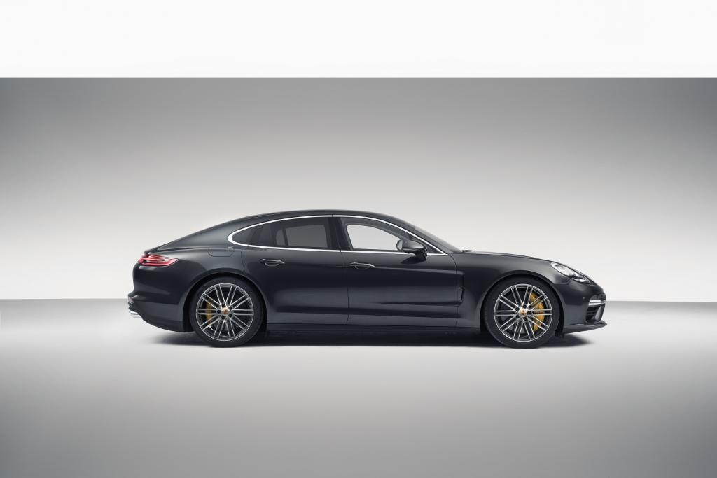Porsche Panamera side