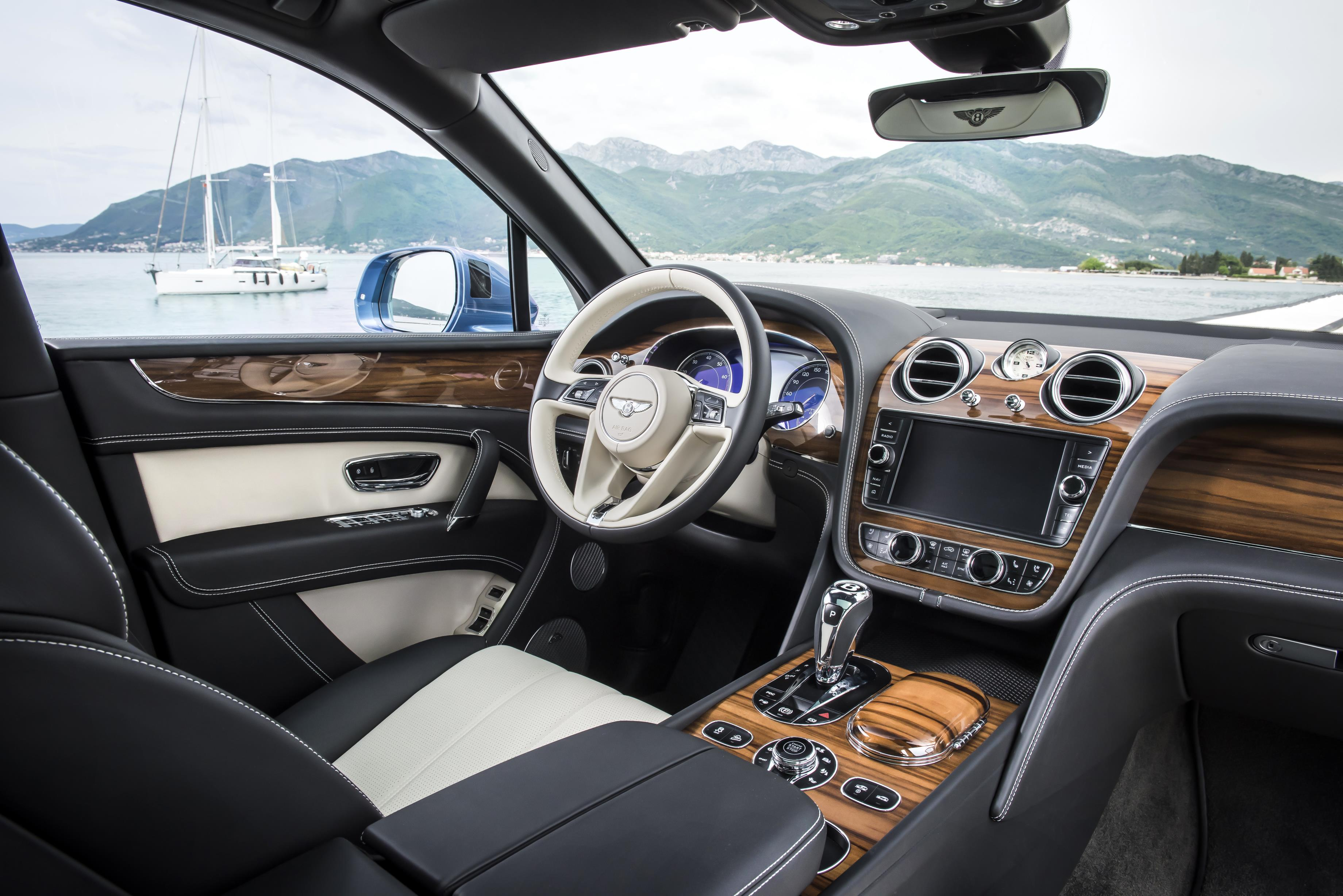 bentley-bentayga-diesel-dash
