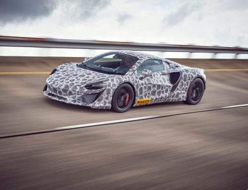 NEW MCLAREN SUPERCAR OUT TESTING. New car news.