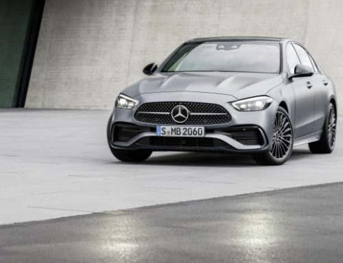 FIRST PICTURES OF THE NEW MERCEDES-BENZ C-CLASS SALOON AND ESTATE. New car news.